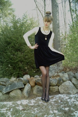 ivory lace thrifted bodysuit - black vintage velvet JCrew dress
