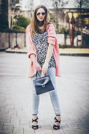bubble gum Bershka cardigan - periwinkle pull&bear jeans
