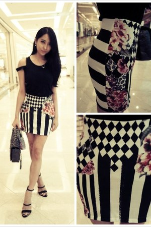 white lovely pattern Zara skirt - silver Chanel bag - black H&M heels
