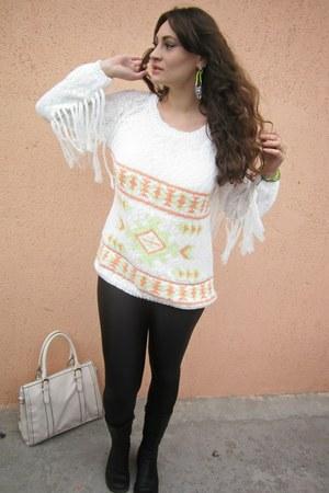 white fringe sleeves Stradivarius sweater - black thrifted leggings
