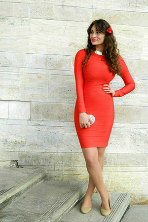 red bandage Udobuy dress - nude Deichmann heels
