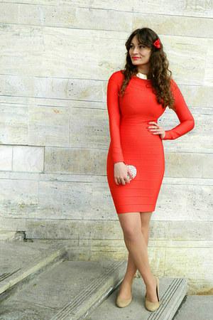 red bandage Udobuy dress - nude Deichmann heels