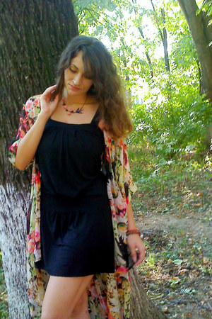 salmon floral Lulus cardigan - black Topshop dress - bubble gum Ebay necklace