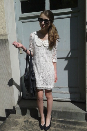 black sunglasses - white laces mimph dress - black leather bag - black ring
