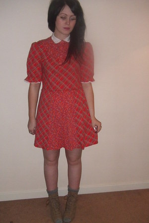 ruby red sister-vintage dress - charcoal gray topshop socks - camel topshop wedg