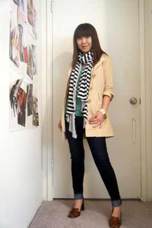 beige ONeill jacket - green ZOA new york t-shirt - black scarf - brown BCBG shoe