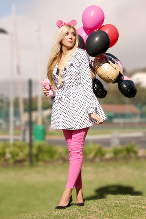 hot pink Zara jeans