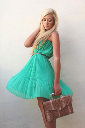 turquoise blue Boohoo skirt