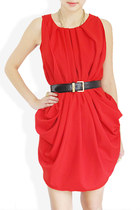 red STYLESOFIACOM dress - black Moschino belt