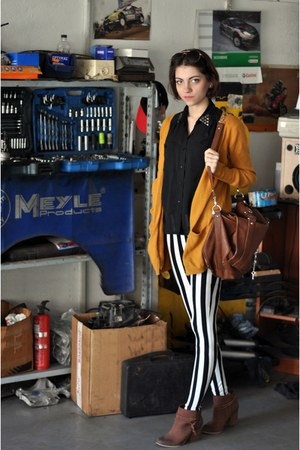 Bershka boots - Zara tights