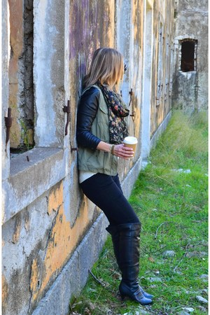 olive green military Pull & Bear jacket - black over the knee New Yorker boots