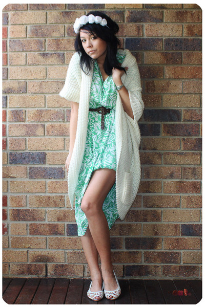 green vintage dress - white modcloth sweater - white Sportsgirl shoes - white DI