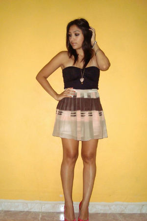black top - brown skirt - pink shorts - beige necklace