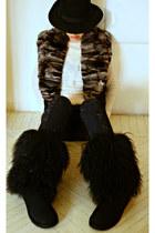 gazel hat - Ugg boots - LeRock jeans - Carlo Ramello vest - Rosato necklace
