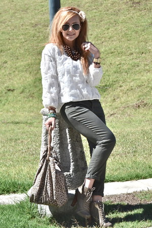 Zara jeans - Forever21 shoes - Zara blouse