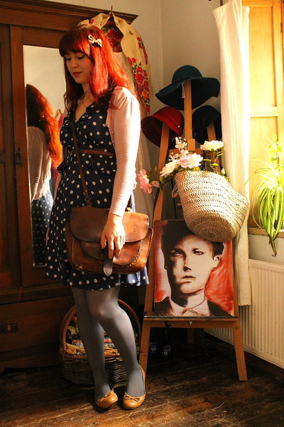 thrifted vintage bag - Savida dress - laura ashley vintage hat