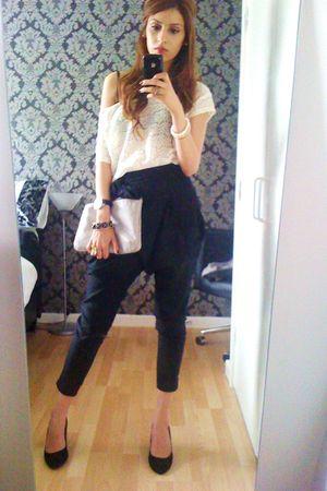 white boutique top - black pants - black Kurt Geiger shoes - nicole farhi access