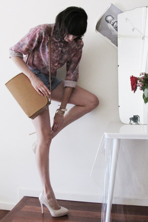vintage floral Pennyworth shirt - vintage bag - sev bracelet