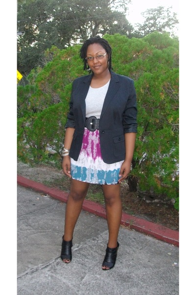 Kmart blazer - Old Navy t-shirt - Target skirt - Forever 21 belt - traffic shoes