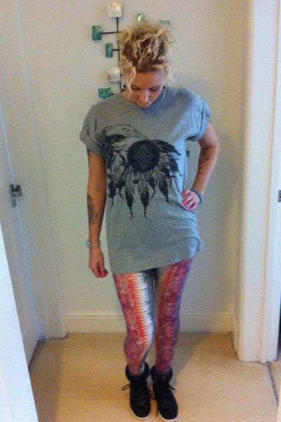 Topshop leggings - River Island t-shirt - E Spirit sneakers