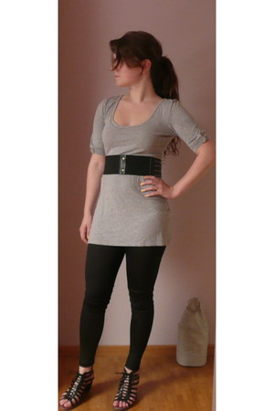 periwinkle H&M dress - Stradivarius leggings - black Stradivarius belt - doc mar