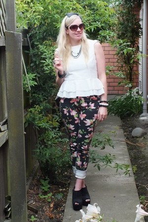 white peplum Glassons top - floral cotton on jeans - black number 1 shoes wedges