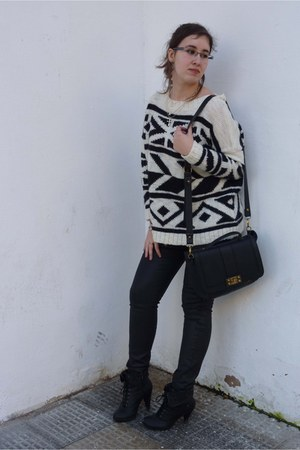 etnic Mango sweater - Mustang shoes - leather Mango jeans - Victoria Delef bag