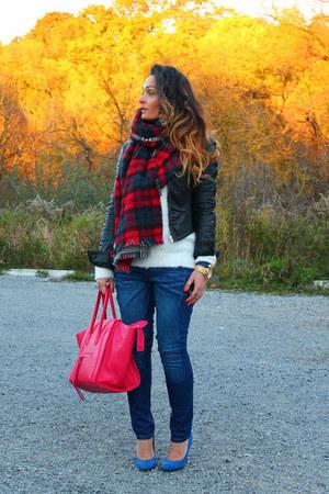Zara scarf - Fornarina jeans - Michael Kors watch