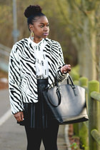 animal print H&M jacket - patterned Primark tights - black tote Zara bag