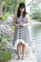 black striped M for Mendocino dress - black lace detailed Smart Set hat