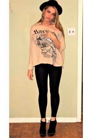 Vintage costume hat - American Apparel leggings - Urban Outfitters shirt - threa