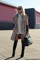 camel Zara coat - black boots - cream sweater - black bag