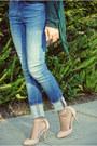 Blue-zara-jeans-green-aviators-forever21-sunglasses