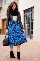 turquoise blue thrifted vintage skirt - black suede booties Forever21 boots