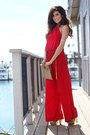 Red-halter-body-central-jumper