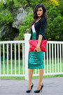 Black-vintage-blazer-red-clutch-sammoon-bag