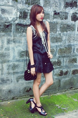 black Parisian shoes - black prp dress