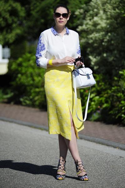 yellow front-slit asos skirt - white asos bag