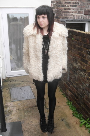 cream vintage from Ebay jacket - black Topshop tights