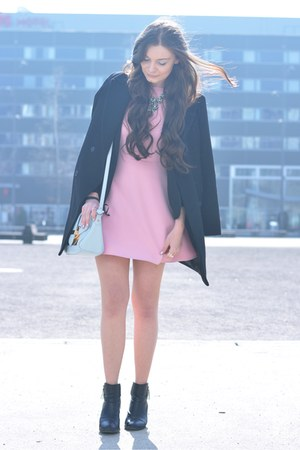 bubble gum Zara dress - black H&M boots - black Zara coat - light blue Aldo bag