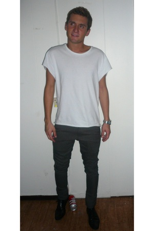 t-shirt - pants - Zara shoes