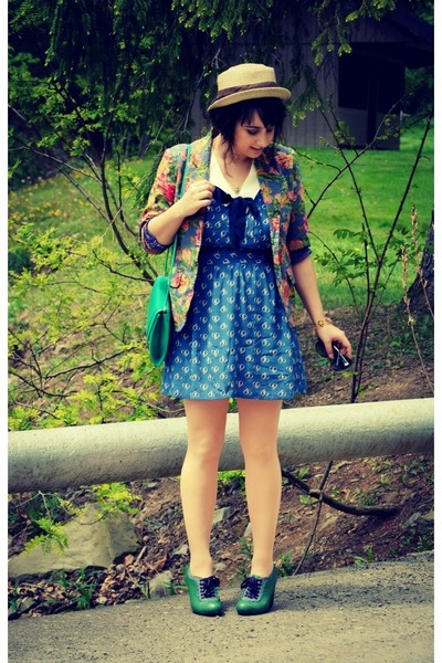bubble gum floral print thrifted vintage blazer - green Poetic License shoes