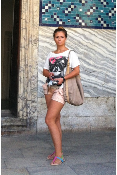 Bershka t-shirt - Zara bag - BERSKA shorts - Accessorize bracelet