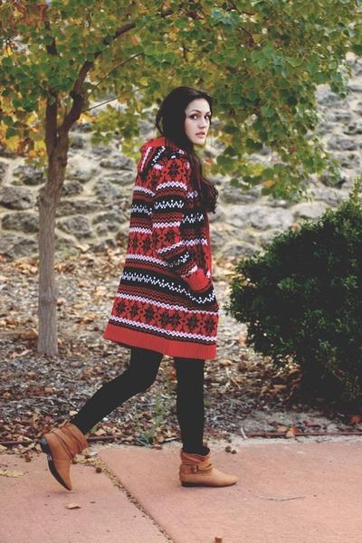 red eskimo print unbranded cardigan - brown Dotti boots