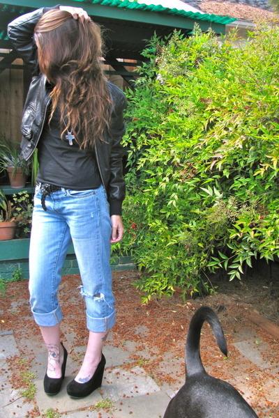 blue vintage levi jeans - black Forever 21 jacket - black Target shirt - black A