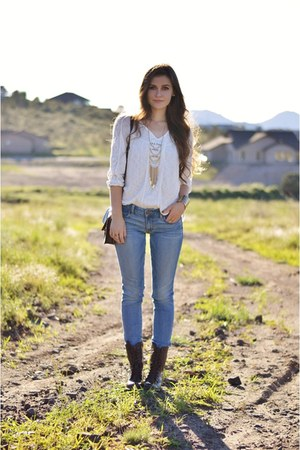 gold Sunset 45 necklace - dark brown leather Steve Madden boots