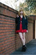red a-line vintage skirt - black clogs sam edelman boots