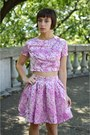 Light-pink-crop-top-boohoo-shirt-light-pink-brocade-boohoo-skirt