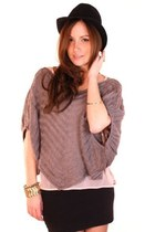 Heather-gray-shopgoldie-sweater