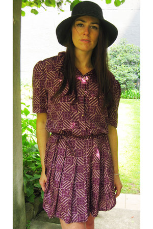 puce pleated Modern Vintage dress - black woven Forever 21 hat
